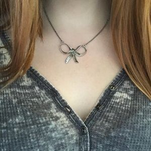 Juicy couture silver bow necklace